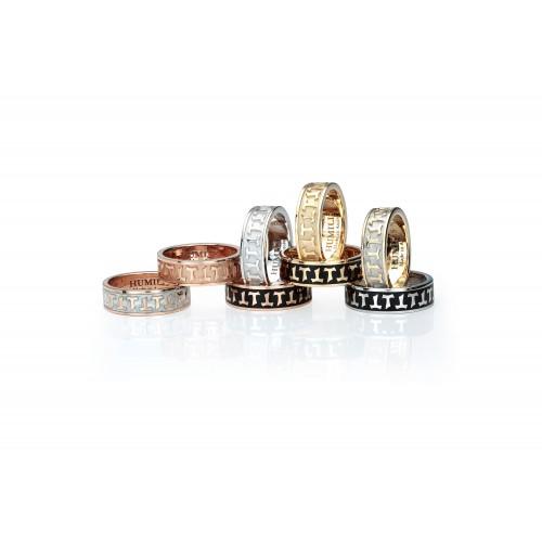 Humilis anello classico in oro bianco